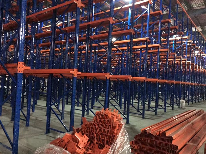 哪些环节的因素影响了仓储货架安全使用?